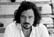 L'ultimo sorriso di Sunder City: Luke Arnold, dal cinema all'esordio letterario